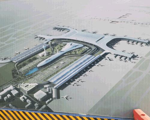 河南省新郑机场绿地灌溉圆满完工